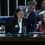 Mesmo com pressão da oposição, reforma trabalhista é aprovada no Senado